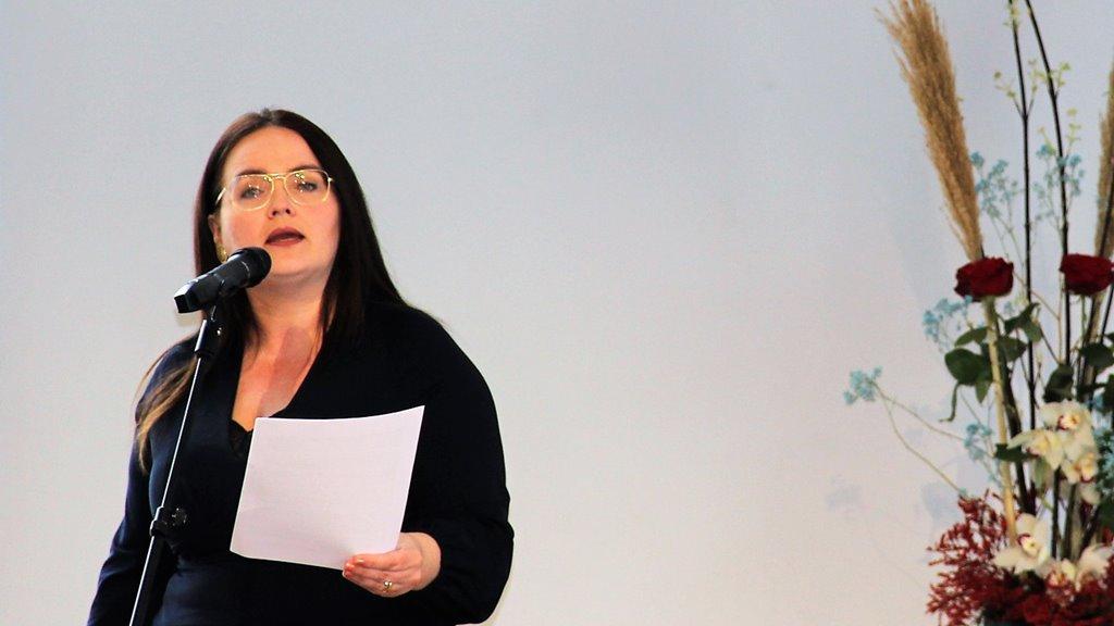 Hanna Jensen á móðurmálsdegnum: Fokus á talgilt, føroyskt mál og føroyskt sum fremmandamál