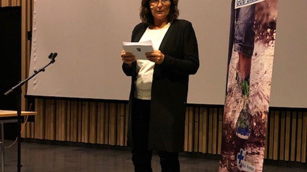 Elsebeth Mercedis Gunnleygsdóttur helt røðu til tiltak hjá Bláa Krossi
