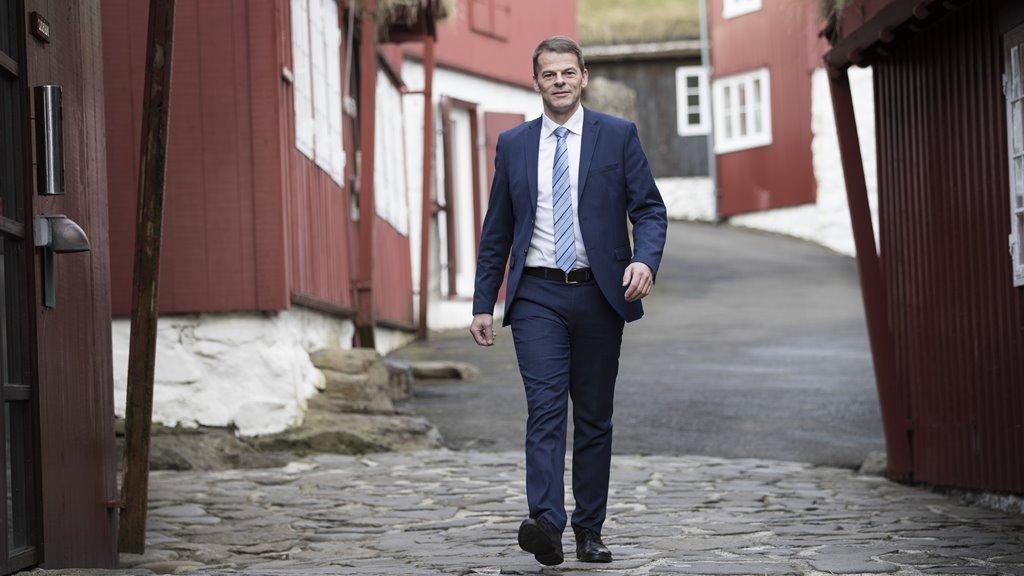 Løgmaður bjóðar til tíðindafund um corona-smittuna