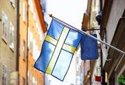 Føroyingar, ið búgva í Svøríki kunnu nú umbýta sítt føroyska koyrikort við eitt svenskt koyrikort