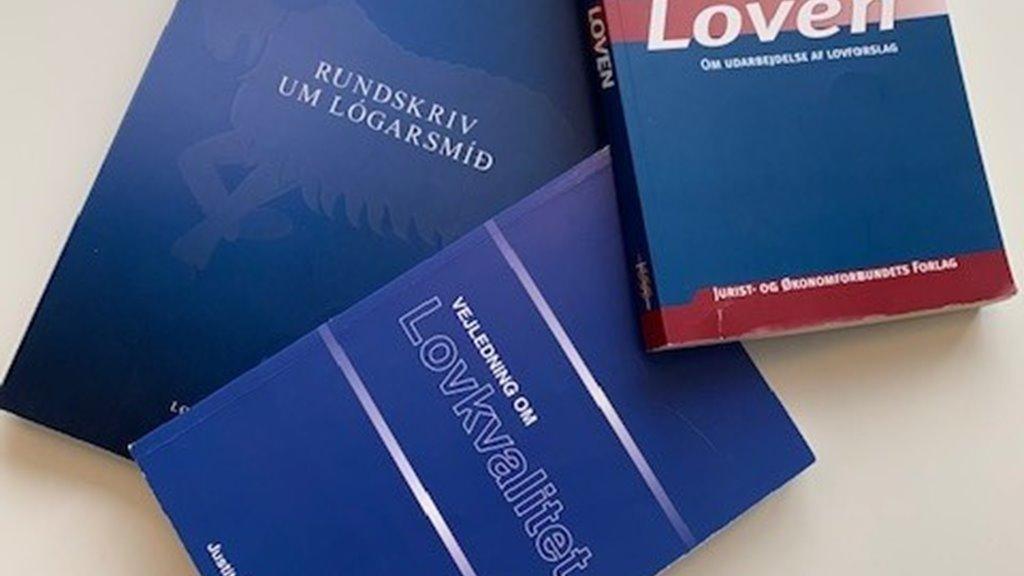 LØGFRØÐINGUR til Uttanríkis- og mentamálaráðið